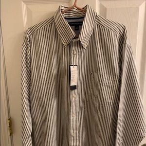 Other - Tommy Hilfiger men front pocket shirt